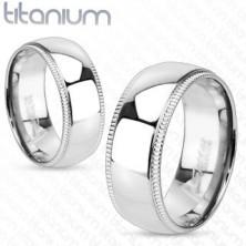 Tytanowy pierścionek z ozdobnymi karbowanymi krawędziami