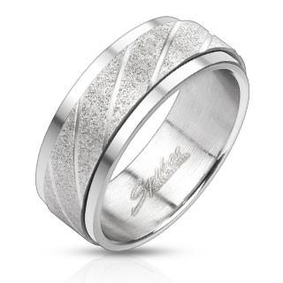 Stalowy pierścionek - piaskowany pas z ukośnymi nacięciami - Rozmiar : 58