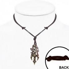 Skórzany naszyjnik z metalowymi zawieszkami - krzyże, czaszka piracka