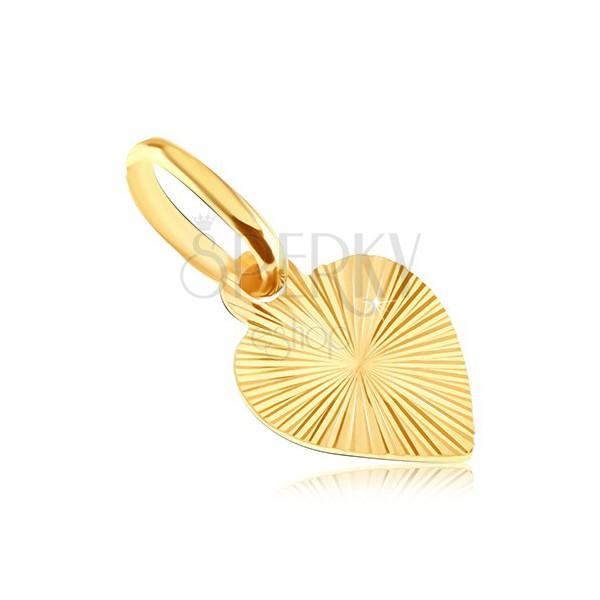 Płaski wisiorek ze złota 14K - pełne serce z wygrawerowanymi promieniami