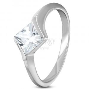 Zaręczynowy stalowy pierścionek z cyrkoniowym rombem bezbarwnego koloru