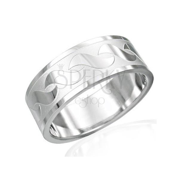 Pierścionek ze stali chirurgicznej z błyszczącym wzorem w kształcie S