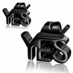 Stalowe kolczyki w czarnym kolorze, napis YES