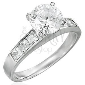 Pierścionek zaręczynowy wystająca cyrkonia