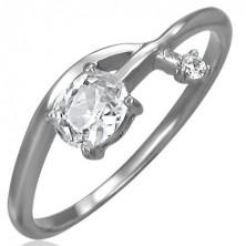 Pierścionek zaręczynowy - przeplatana cyrkoniowa strzałka