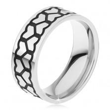 Stalowy pierścionek, dwa grubsze pasy zarysów symetrycznych serc