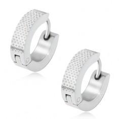 Okrągłe stalowe kolczyki, grawerowana kropkowana powierzchnia