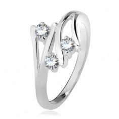 Srebrny pierścionek, rozgałęziające się ramiona, trzy przezroczyste cyrkonie