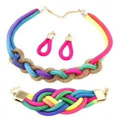 Zestaw kolczyków, bransoletki i naszyjnika, przeplatane kolorowe sznurki, łańcuszek