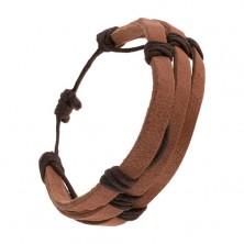 Kawowo brązowa skórzana bransoletka - trzy paski przewiązane ciemnobrązowym sznurkiem