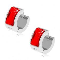 Oceľové náušnice striebornej farby, rubínovo červený brúsený kamienok