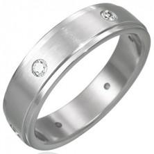 Stalowy matowy pierścionek - 6 cyrkonii na obwodzie