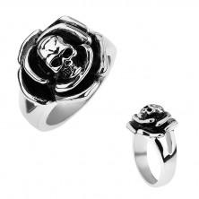 Patinovaný oceľový prsteň, ruža s lebkou v strede, rozdvojené ramená
