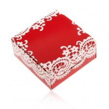 Papierová krabička červenej farby na prsteň a náušnice, biely čipkovaný vzor