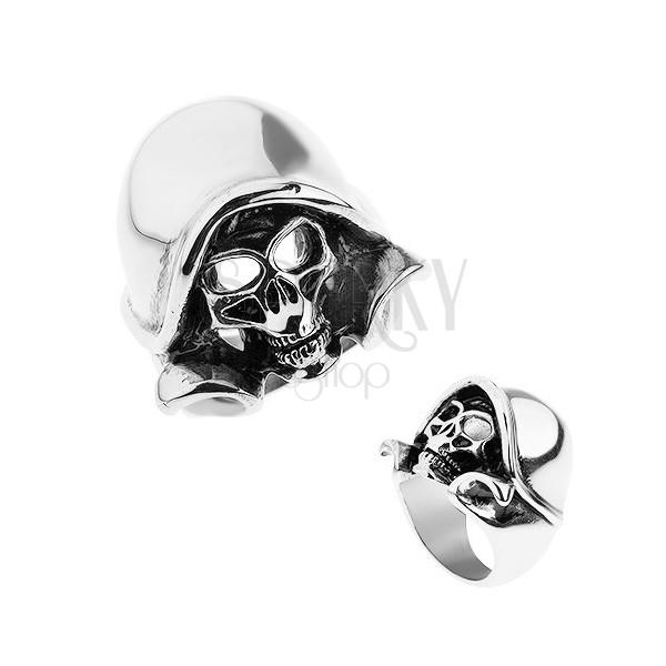 Stalowy pierścionek srebrnego koloru, patynowana czaszka z kapturem