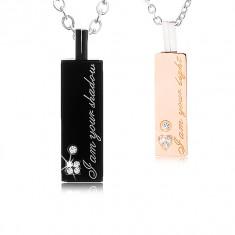 Dwa stalowe naszyjniki dla zakochanych, płytka z cyrkoniami, napis