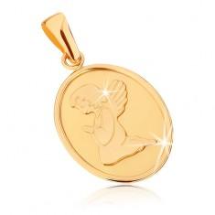 Złoty wisiorek 375 - owalna płaska płytka, aniołek podczas modlitwy