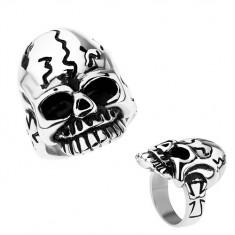 Patynowany pierścionek ze stali chirurgicznej, czaszka z nieregularnymi pęknięciami