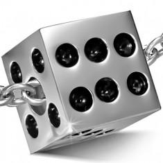Zawieszka ze stali chirurgicznej srebrnego koloru - lśniąca kostka do gry
