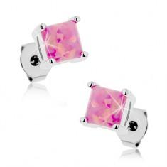 Stalowe kolczyki, kwadratowy syntetyczny opal różowego koloru, 5 mm