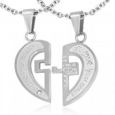 Stalowa dwuczęściowa zawieszka srebrnego koloru, rozdzielone serce, napisy, krzyż, cyrkonie