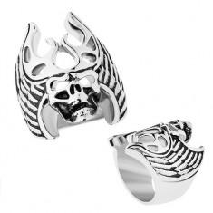 Stalowy pierścionek srebrnego koloru, czarna patyna, czaszka - poroże, skrzydła