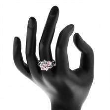 Pierścionek srebrnego koloru, rozdzielone ramiona, różowe owale, przezroczyste cyrkonie