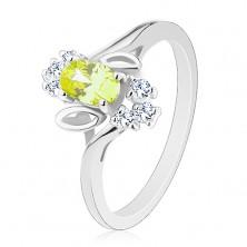 Błyszczący pierścionek, jasnozielona owalna cyrkonia, listki, przezroczyste cyrkonie