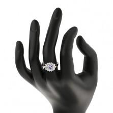 Pierścionek srebrnego koloru, jasnofioletowy wyszlifowany owal, przezroczysty zarys