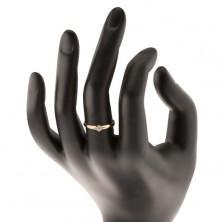 Złoty pierścionek 585 - okrągły diament bezbarwnego koloru w koszyczku