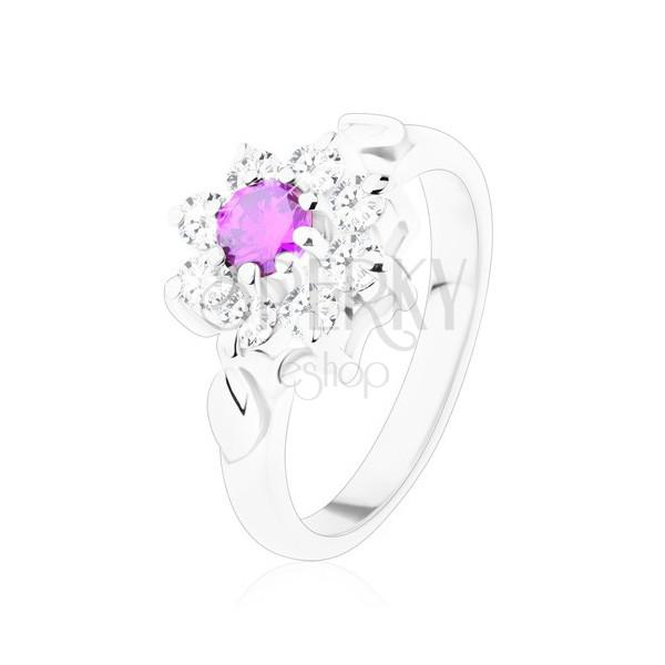 Lśniący pierścionek z ozdobnymi listkami, ametystowo fioletowa cyrkonia, przezroczyste płatki