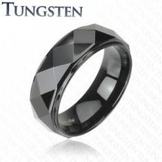 Czarny pierścionek z wolframu, podwyższony pas o lśniącej wyszlifowanej powierzchni, 8 mm