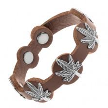 Skórzana bransoletka ciemnobrązowego koloru, patynowane liście marihuany ze stali