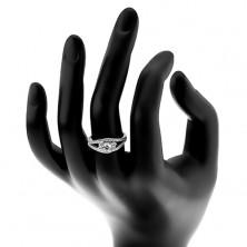 Srebrny pierścionek 925, rozdzielone błyszczące ramiona, trzy okrągłe przezroczyste cyrkonie