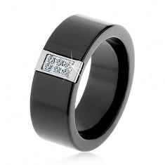 Czarny ceramiczny pierścionek o gładkiej powierzchni, stalowy prostokąt z cyrkoniami