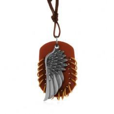 Naszyjnik ze sztucznej skóry, zawieszki - brązowy owal z krążkami i anielskim skrzydłem