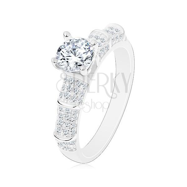 Srebrny 925 pierścionek, błyszczące ramiona, podwyższona okrągła cyrkonia bezbarwnego koloru