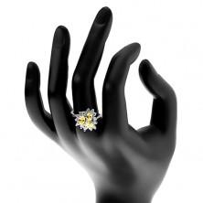 Pierścionek srebrnego koloru, trzy oszlifowane owalne cyrkonie, bezbarwna oprawa
