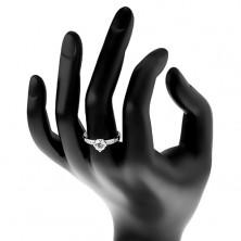Srebrny pierścionek 925, cyrkonia bezbarwnego koloru w ozdobnym koszyczku, cyrkonie na ramionach