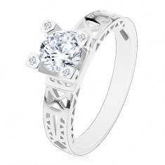 Zaręczynowy pierścionek - srebro 925, wycięcia na ramionach, bezbarwna cyrkonia w ozdobnym koszyczku
