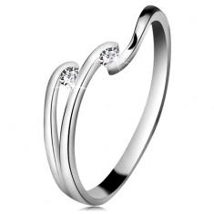 Diamentowy pierścionek z białego 14K złota - dwa błyszczące bezbarwne brylanty, lśniące linie ramion