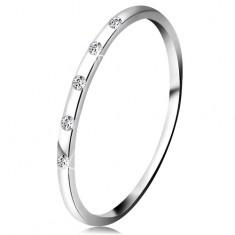 Pierścionek z białego 14K złota - pięć drobnych bezbarwnych diamentów, cienka obrączka