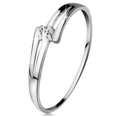 Brylantowy pierścionek z białego 14K złota - rozdzielone lśniące ramiona, bezbarwny diament