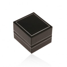 Czarne skórzane pudełeczko na pierścionek, cienka oprawa w srebrnym odcieniu