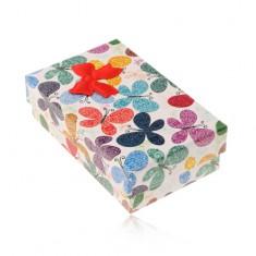 Kolorowe pudełeczko na zestaw lub łańcuszek, wzór motyli z ornamentami, kokardka