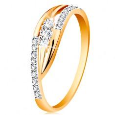 Złoty pierścionek 585 - lśniące zagięte ramiona, błyszczące pasy i trzy cyrkonie