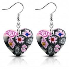 FIMO kolczyki wiszące na biglach, szare serduszka z różowymi kwiatkami i cyrkoniami