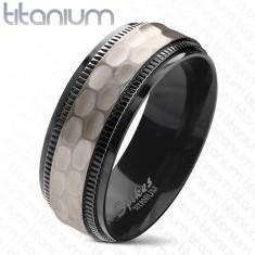 Tytanowa obrączka, czarne karbowane krawędzie, oszlifowany matowy środkowy pas, 8 mm