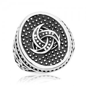 Stalowy pierścionek, kropkowany owal z motywem celtyckim, ozdoby na ramionach