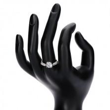Zaręczynowy pierścionek, srebrny 925, ozdobione ramiona, bezbarwna podniesiona cyrkonia